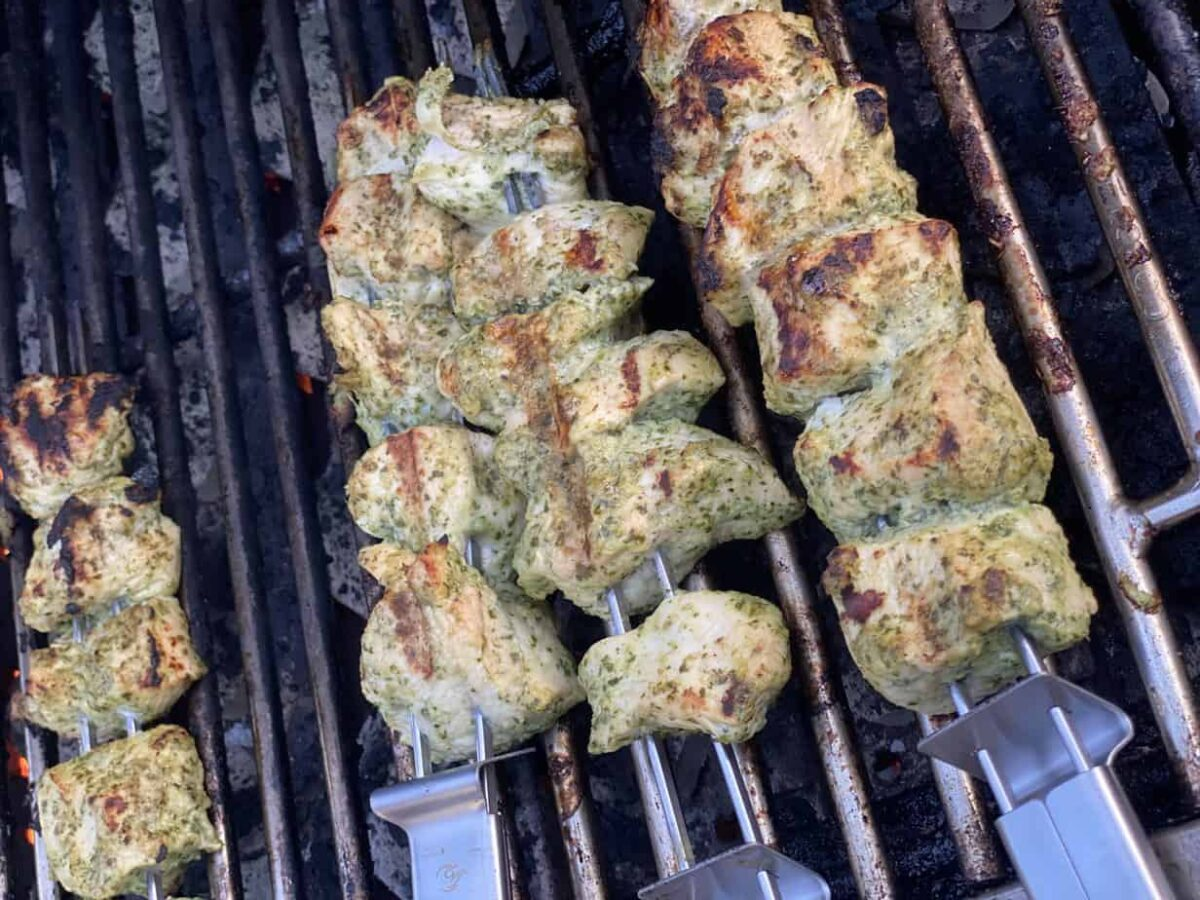 hiryali chicken on the grill